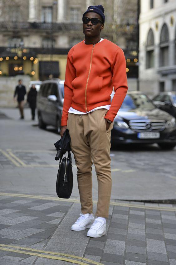 kolor pomarańczowy w męskiej garderobie