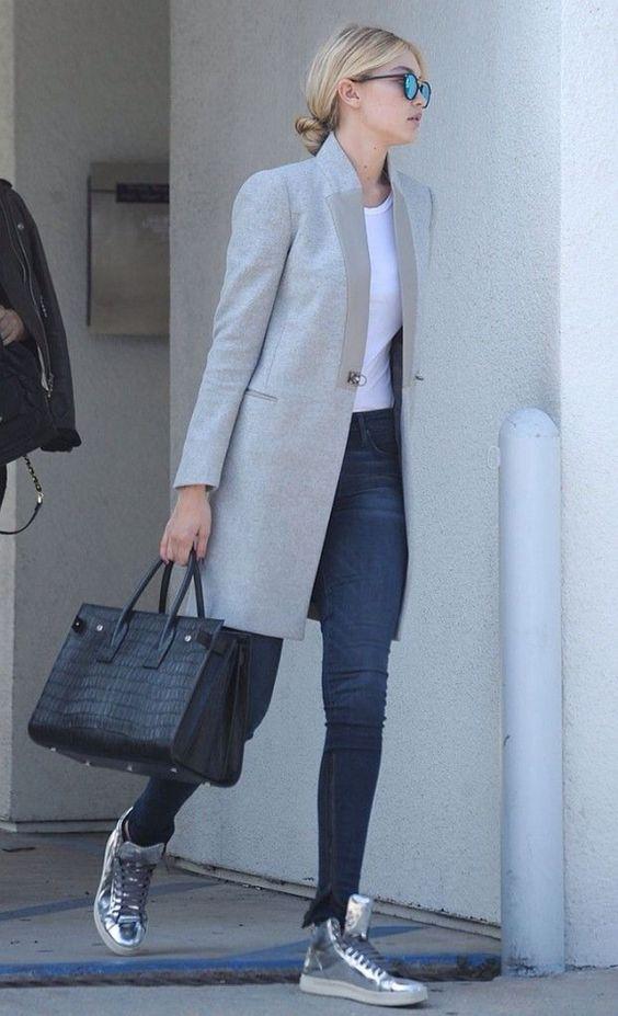 srebrny kolor w damskiej garderobie